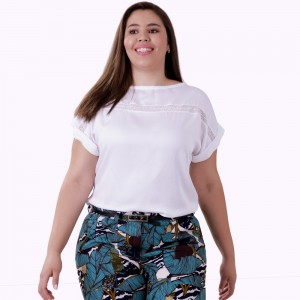 Blusa Angelical Entremeio Plus Size
