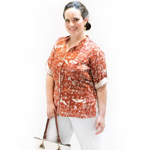 Camisa Contemporânea Plus Size