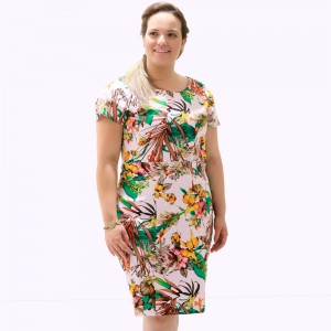 Vestido Recortes Pesponto Plus Size